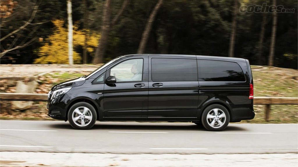 Mercedes benz Minivan clase V para grupos color negro