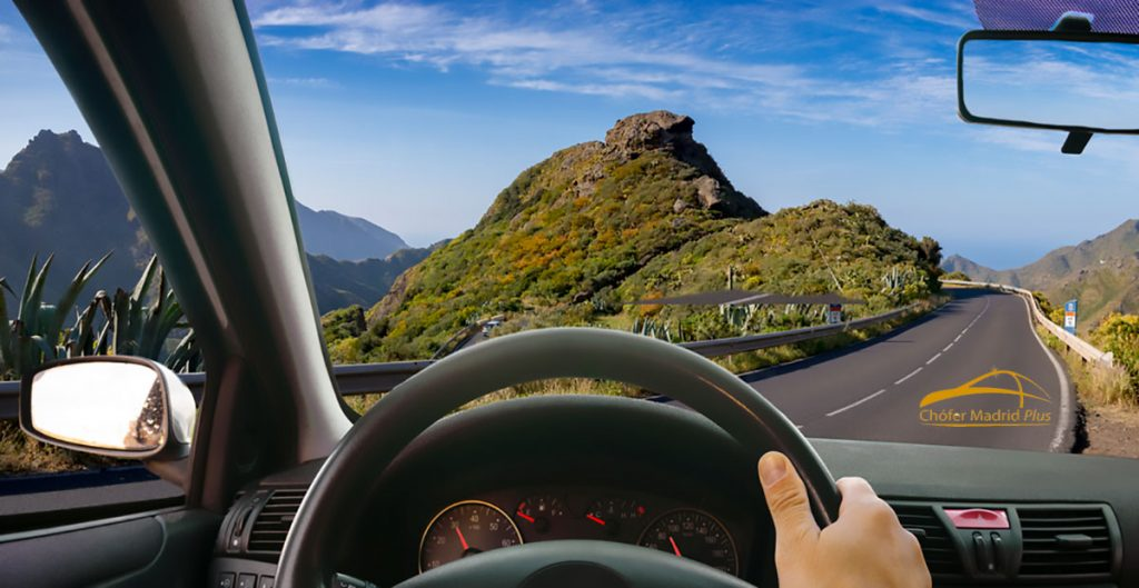 destinos-exclusivos-para-viajar-en-coche-con-conductor