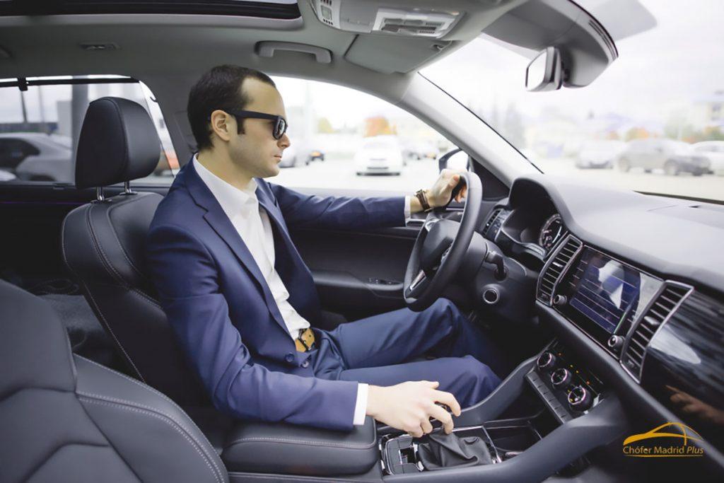 5 ventajas de contratar un chófer privado por horas en Madrid