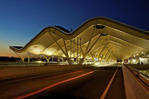 Alquiler de coches con conductor para terminal 4 Barajas