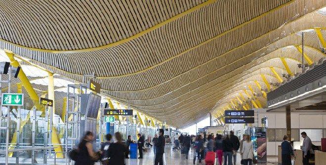Alquiler de coches con conductor para terminal 4 Barajas interior