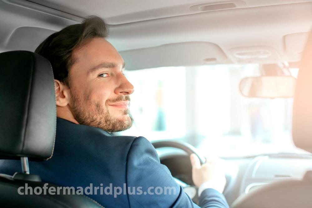 Alquiler de coche con conductor para viajes interprovinciales.