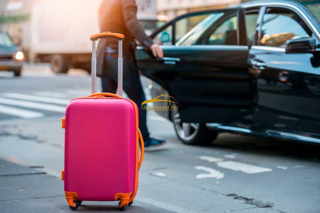 servicio de transporte de coches con chófer privado.